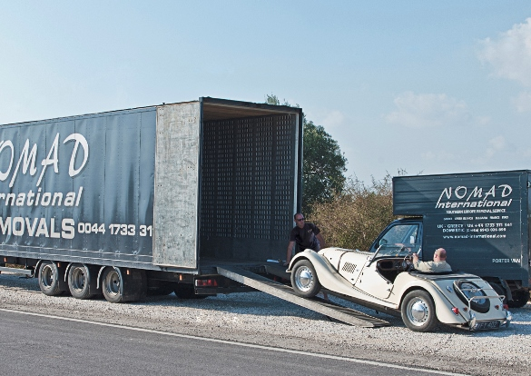 Car vehicle transport nomad international removals for Good greek moving and storage